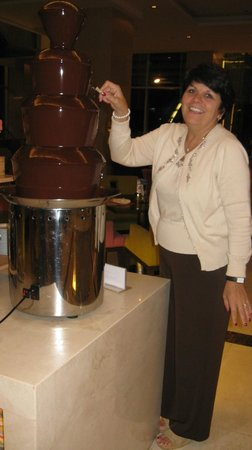 The Grand Fourwings Convention Hotel: Chocolate fondue fountain is featured on the nightly buffet