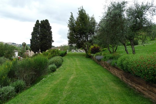 Borgo Grondaie: Le formibable jardin