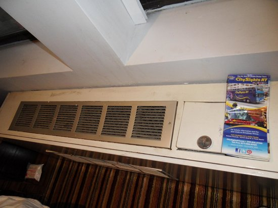 Best Western PLUS President Hotel at Times Square: Very old Air Con room 624