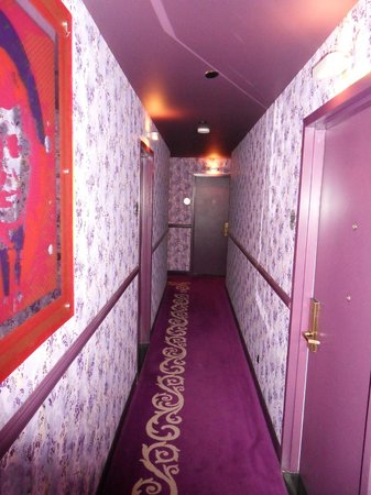 Best Western PLUS President Hotel at Times Square: Hallway