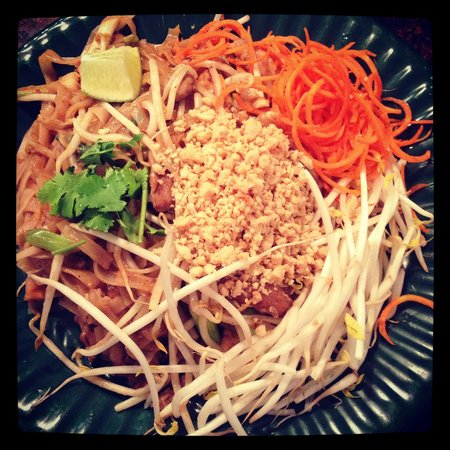 Nelson, Canada: Chicken pad Thai
