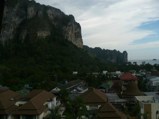 Aonang Cliff Beach Resort: Beautiful cliff views