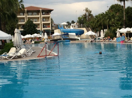 Barut Hemera Resort & Spa: View of Pool and part of the Hotel