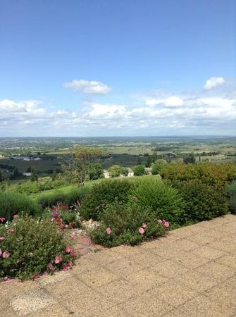 Monbazillac, Frankrike: view overlooking city of Bergerac and surrounding area
