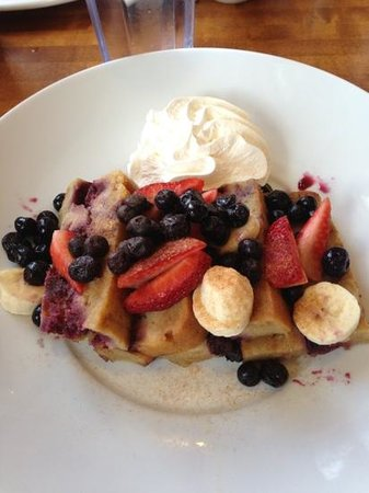 Elgin, IL: very berry French toast