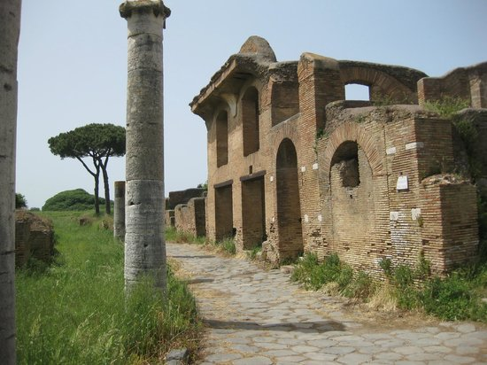 Ostia Antica, İtalya: A good idea of a Roman town