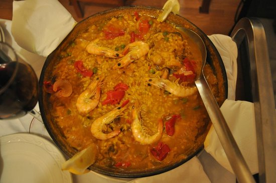 Best Western Hotel Dauro II: Paella dinner in the room