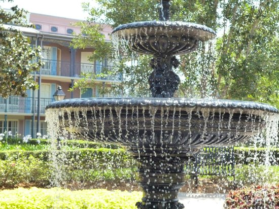 Disney's Port Orleans Resort - French Quarter: garden fountain