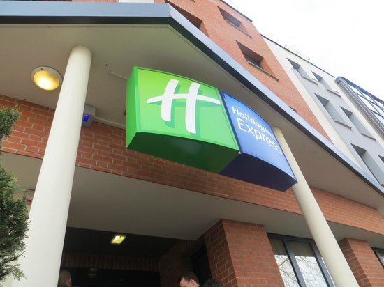 Holiday Inn Express Arras : Entrance