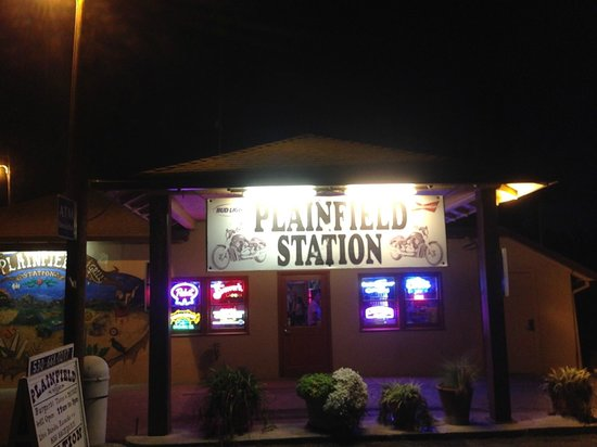 Woodland, CA: Outside Plainfield Station