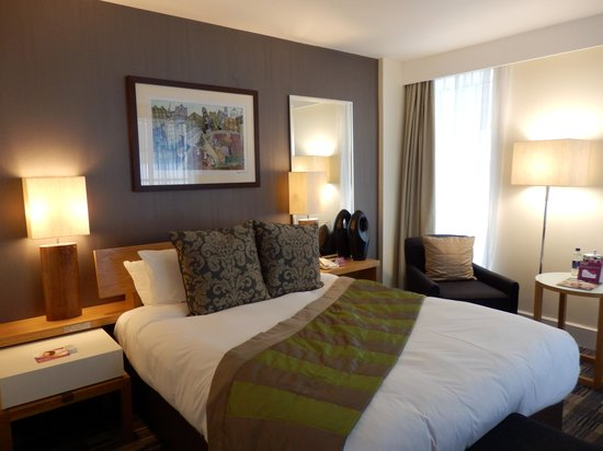 Crowne Plaza London - The City: Chambre agrable et spacieuse