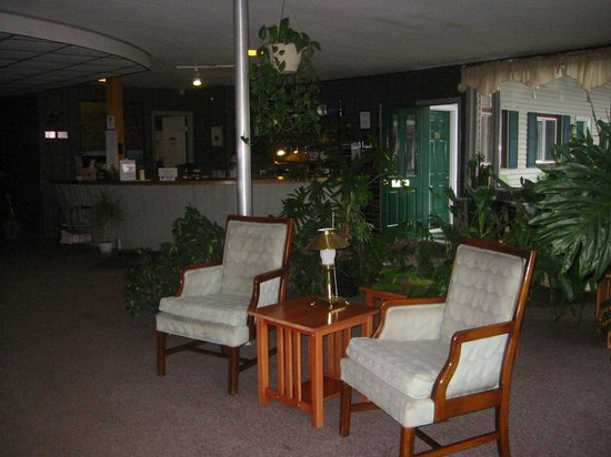 Lancaster Motor Inn : Lobby 2013 