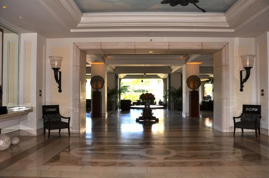 Four Seasons Resort Maui at Wailea: Main Entrance Four Seasons