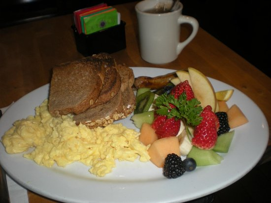 Hotel Mark Twain: breakfast