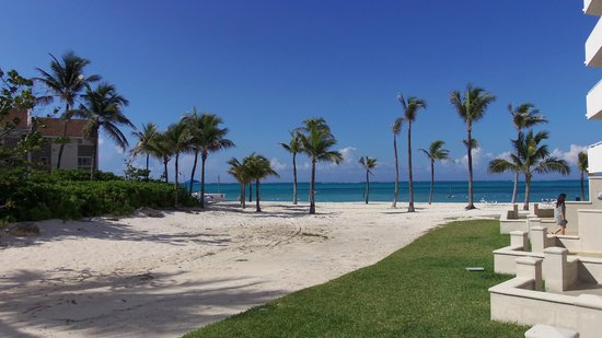 Sheraton Nassau Beach Resort & Casino: beach from day pass room