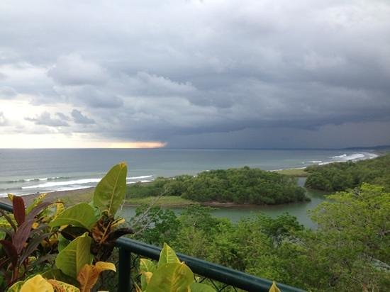 Nosara, Costa Rica: casi vemos el atardecer !! Jaja