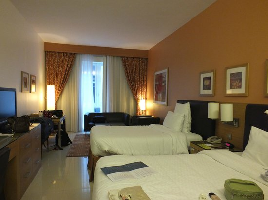 Four Points by Sheraton Downtown Dubai: Twin Room
