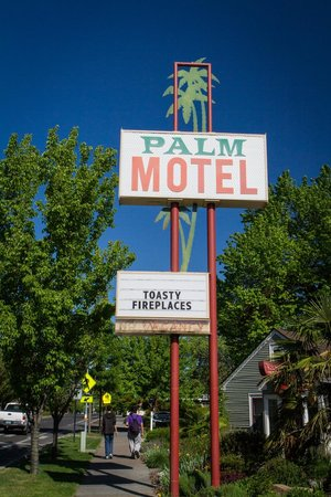 The Palm : Retro Sign 