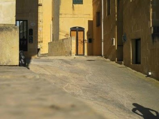 Qala, Malta: Entrance to bed and breakfast