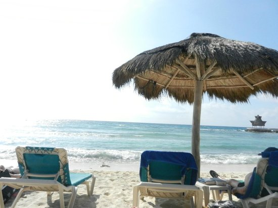 Catalonia Yucatan Beach: Palapa - get one early