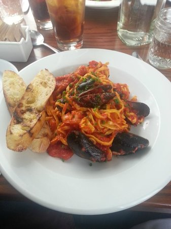 Bemidji, MN: Linguine with seafood