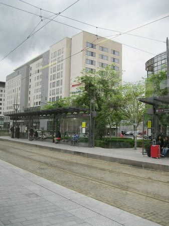 Mercure Lyon La Part Dieu : Tram to the airport is right out front