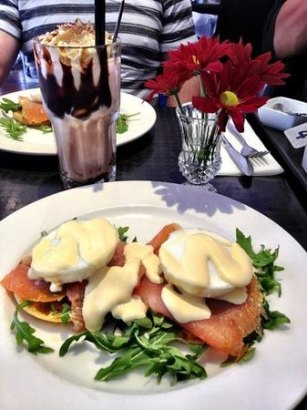 Dubbo, Australia: smoked salmon and poached eggs