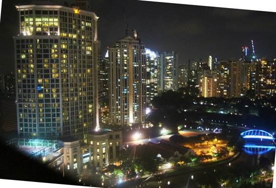 Riverview Hotel Singapore: View to the Northwest by night