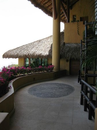 Capella Ixtapa: Main Entrance to Lobby