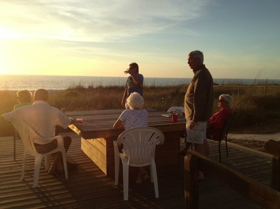 Nokomis, Флорида: The evening gathering for the sunset
