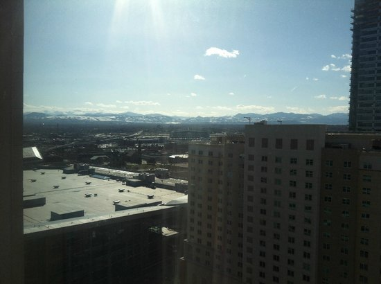 Hyatt Regency Denver At Colorado Convention Center: mountain view