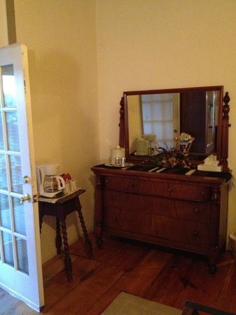 Chimayo, NM: Antique furniture with in-room coffee machine, ice bucket & juice