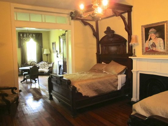 Lamothe House Hotel: Upstairs suite