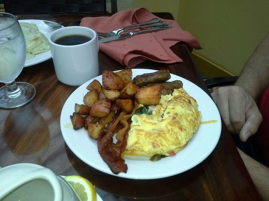 Braselton, GA: chef's made to order eggs..