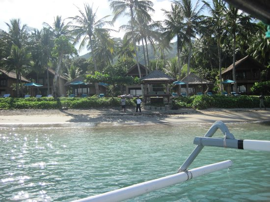 Jeeva Klui Resort: Looking back at the resort from the beach