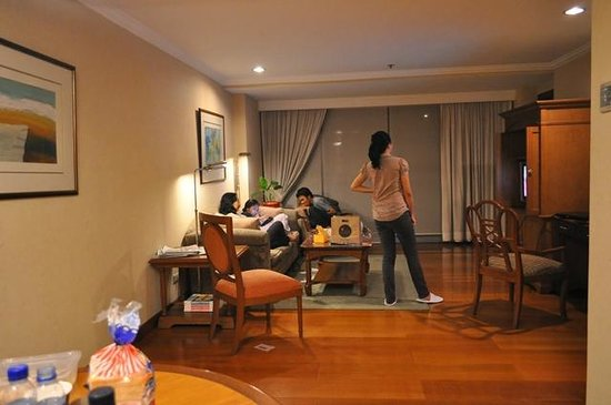 Pasig, Filipinas: Spacious living area