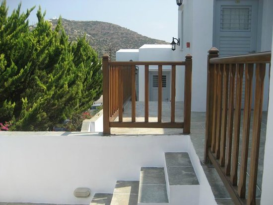 Platis Yialos, Grækenland: Room entrance in Cyclades style