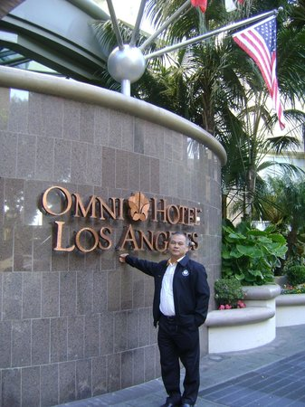 Omni Los Angeles at California Plaza: hotel sinage