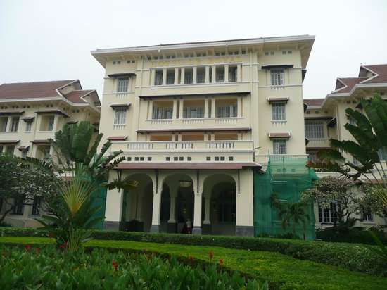 Raffles Hotel Le Royal: Main Entrance