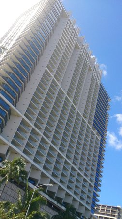 Trump International Hotel Waikiki Beach Walk: ホテル(外観)