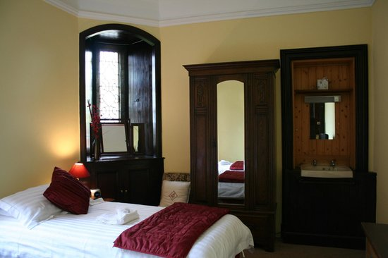 Brodick, UK: Twin room