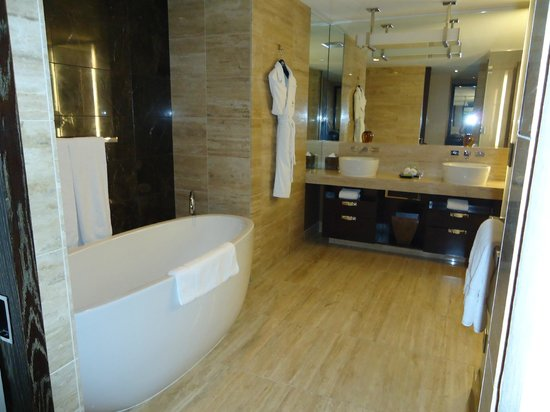 Mandarin Oriental, Las Vegas: Bathroom