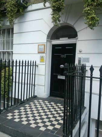 Studios2Let Serviced Apartments - Cartwright Gardens: North Gower Entrance