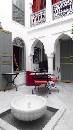 Riad Mirage: courtyard