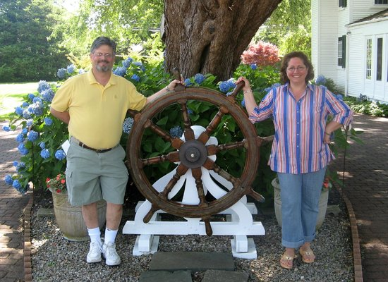 Captain&#39;s House Inn : The Captain&#39;s Wheel at the Captain&#39;s Inn 