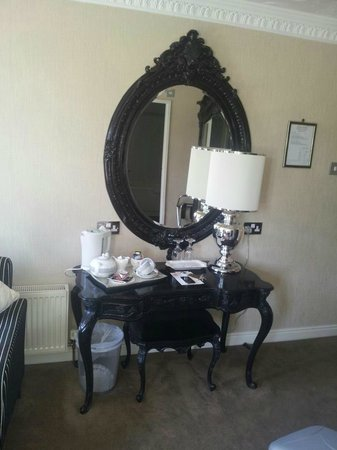Clayton le Woods, UK: Dressing table Baroque style The Whittle Room