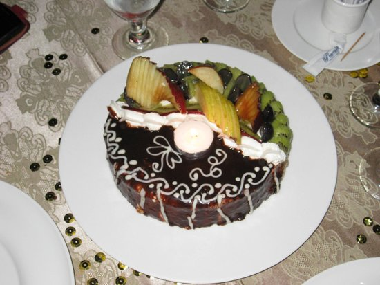 Premier Romance Boutique Hotel and Spa: Delicious B/day cake