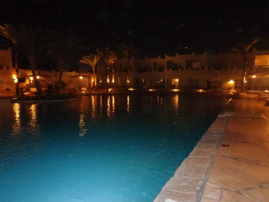 Reef Oasis Beach Resort: una delle 23 piscine