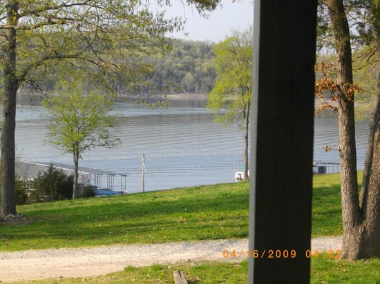 Branson West, MO: peaceful