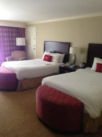 Crowne Plaza Providence-Warwick Airport: double beds